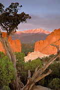 Garden of the Gods and Pikes Peak pictures.