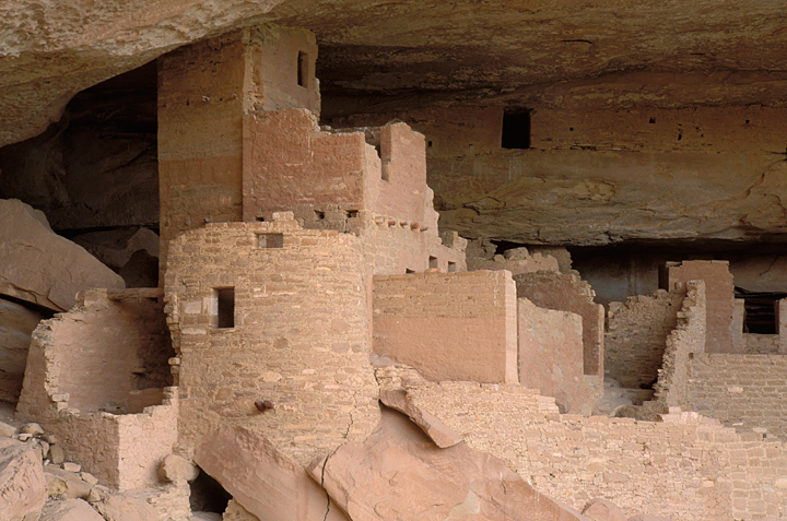 Photo of Cliff Palace in Mesa Verde National Park.